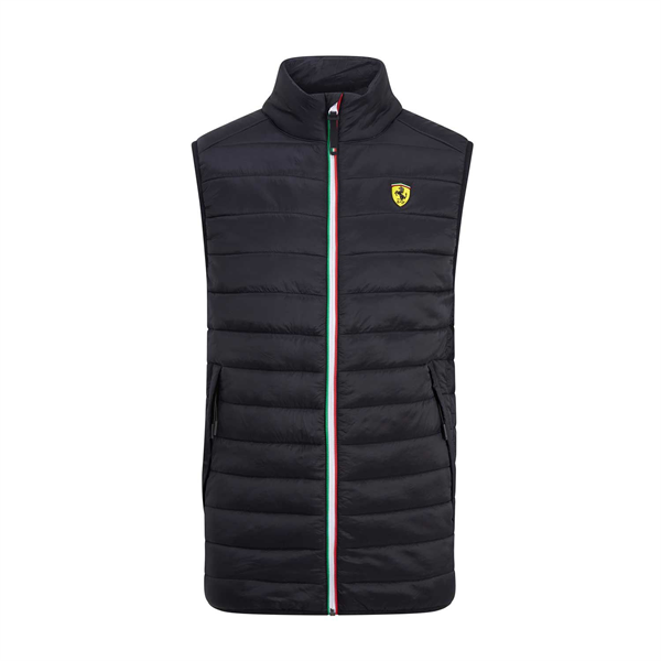 Vesta Scuderia Ferrari v čiernej farbe