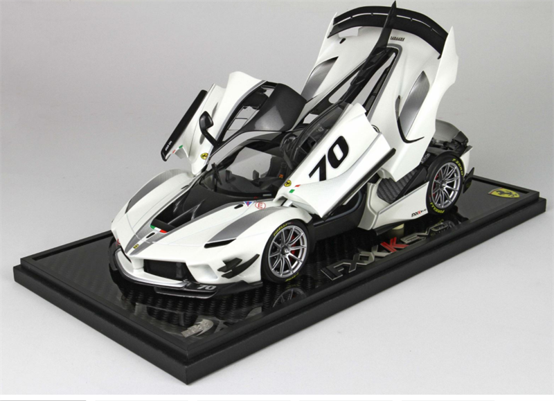 Model Ferrari FXXK-EVO DIE CAST Bianco Italia Metal