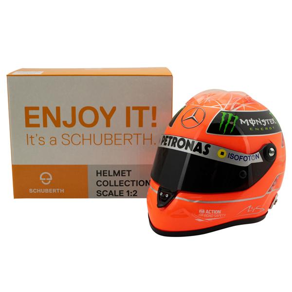 Helma Michael Schumacher posledné preteky. Mierka 1:2