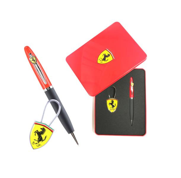 Darčekový set Pero + prívesok Scuderia Ferrari