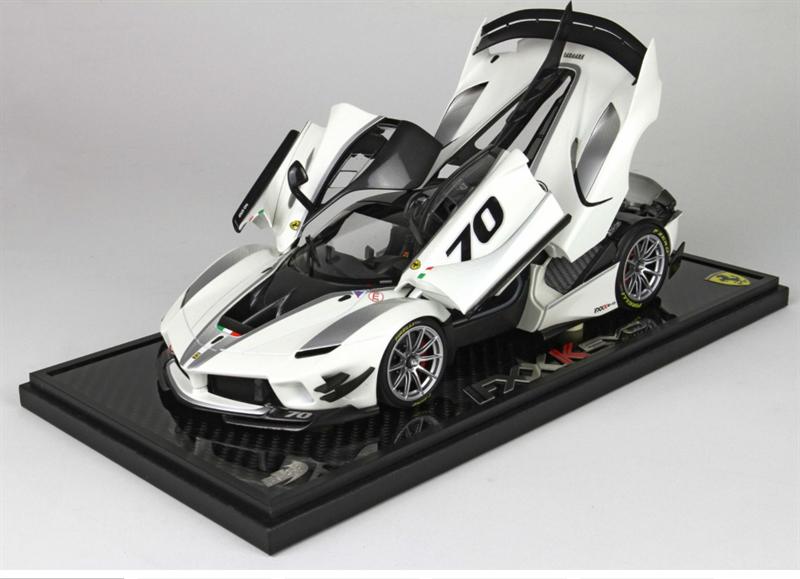 Model Ferrari FXXK-EVO DIE CAST Bianco Italia Metal