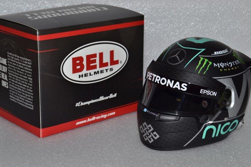 Helma jazdca Nico Rosberg Mercedes AMG Petronas helmet 2016 season