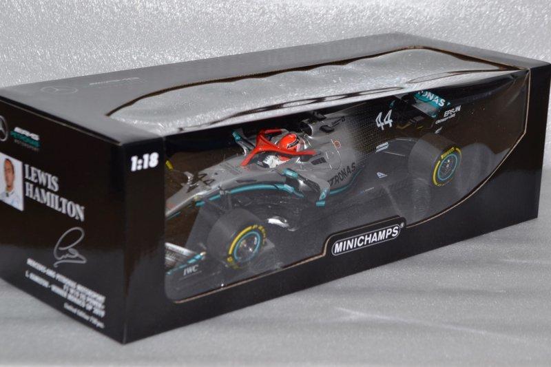 Minichamps Model Mercedes F1 W10 EQ Lewis
