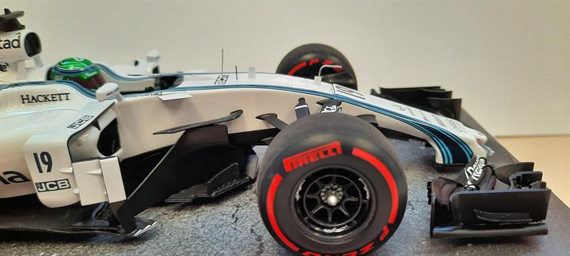 Spark Model Williams Racing Mercedes FW 40