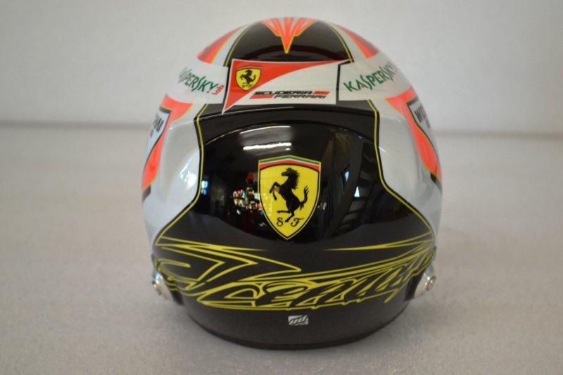 Helma Kimi Raikkonen Scuderia Ferrari 1:2